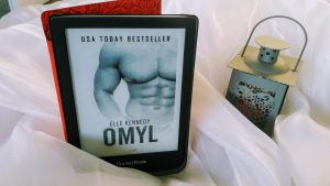 Omyl (Elle Kennedy) (Off-Campus #2)