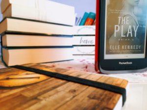 The Play - Hra (Elle Kennedy) (Briar U #3)